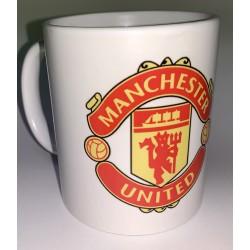 EJEMPLO de personalizaión de taza blanca de cerámica, con el escudom del Manchester United, Club de Fúlbol.