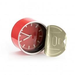 Reloj  de cuarzo enlatado.